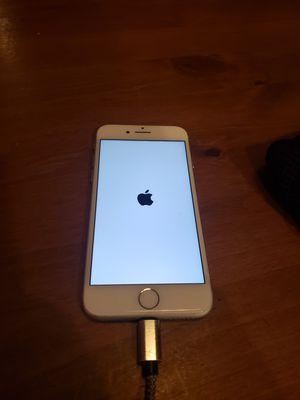 Apple iPhone 7, 32GB, White - Fully Unlocked for Sale in Laguna Beach, CA