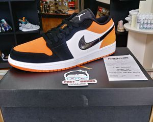 AIR JORDAN 1 LOW SBB MEN SHOES SIZE 9.5 BRAND NEW WITH BOX for Sale in Cleveland, OH