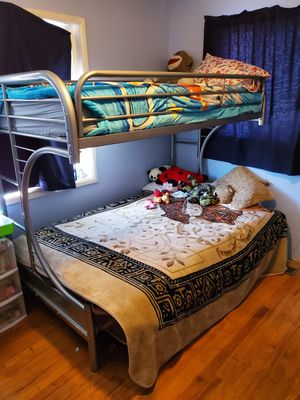 Bunk bed for Sale in Reedley, CA
