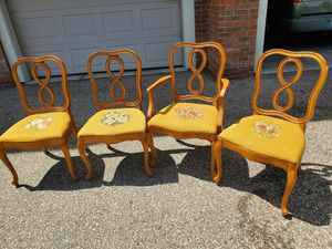Antique dining room chairs. for Sale in Macomb, MI