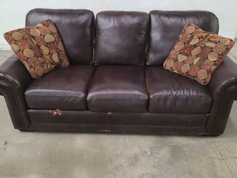 Free Very comfortable leather couch sofa for Sale in Littleton,  CO