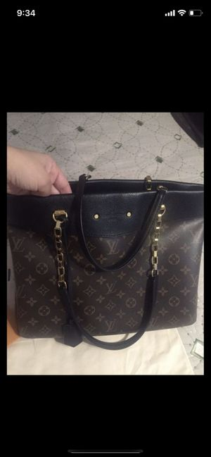Authentic Louis Vuitton bag for Sale in Carlsbad, CA