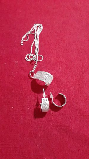 Set of chain and silver earrings-jewelry for Sale in Kissimmee, FL