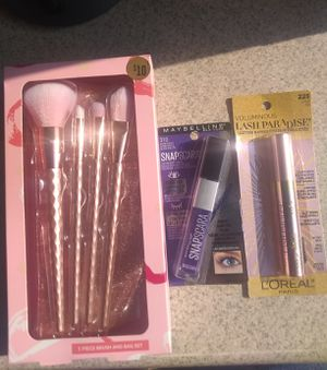 Makeup Brushes + 2 Mascaras for Sale in Rosemead, CA
