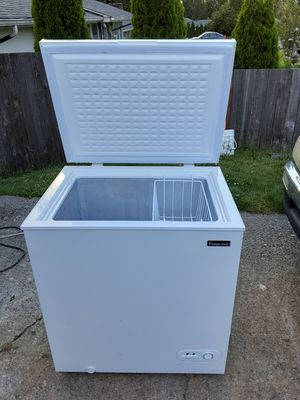 Chest freezer 5 cubic feet delivery is available firm on my price for Sale in Everett, WA