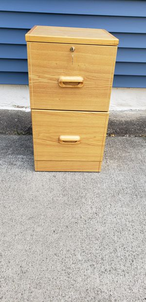 Wood 2 Drawer File Cabinet w/ lock and keys for Sale in Lorain, OH
