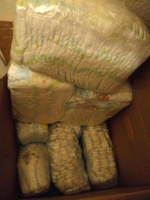 Pampers size 2 diapers for Sale in Fresno, CA