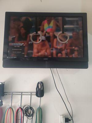 "Vizio 40"" flat Screen $50 for Sale in Turlock, CA"
