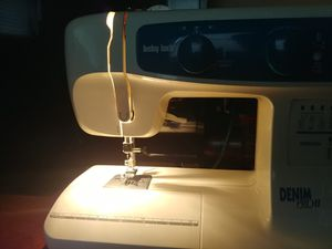 Baby Lock Pro 2 sewing machine for Sale in TEMPLE TERR, FL
