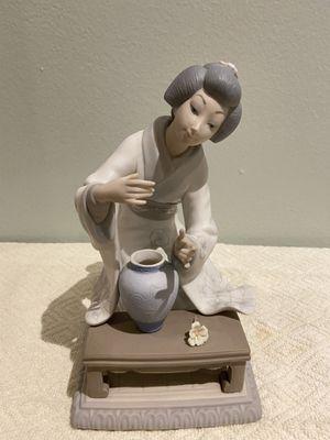 Lladro Figurine for Sale in LAKE CLARKE, FL