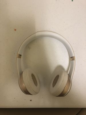 Rose Gold Beats Solo2 Wireless for Sale in Goodyear, AZ