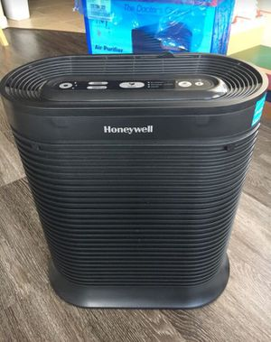 Honeywell True HEPA 465 sq. ft. Air Purifier/Allergen Remover for Sale in Pearland, TX