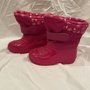 Kids Pink Size 10 Snow Boots for Sale in Arlington, VA