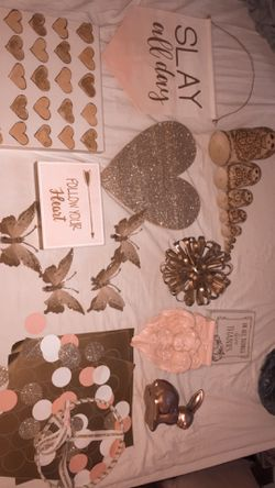 Gold/Rose gold room decor for Sale in Jeannette,  PA