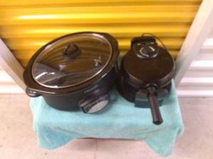 Crock Pot and Belgium Waffle Maker for Sale in Auburn, WA