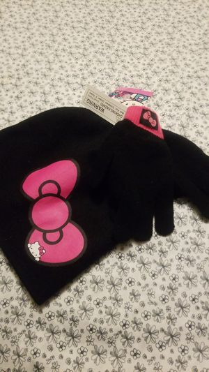 Little girl hello kitty size for 5 year old beanie n globes for Sale in Virginia Beach, VA