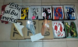 Nike shoes size 9-10 for Sale in Pompano Beach, FL