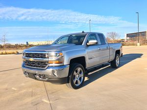 2017 Chevy Silverado Texas Edition 4x4 for Sale in Dallas, TX