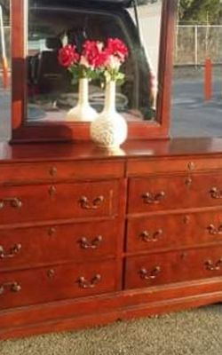 QUALITY SOLID WOOD LONG DRESSER WITH BIG DRAWER AND BIG MIRROR GREAT CONDITION for Sale in Fairfax,  VA