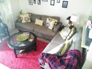 Gray love seat and sofa for Sale in Lakeland, FL