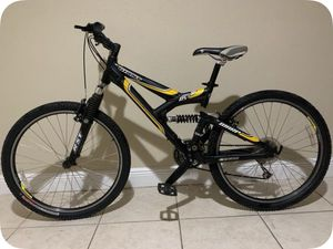 Giant 26' DS3 Warp full suspension mountain bike $280 for Sale in Miami Gardens, FL