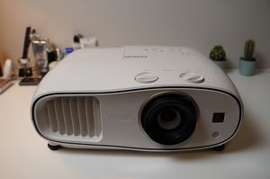 Epsom Home Cinema 3500 3D 1080P 3LCD for Sale in Calverton, MD