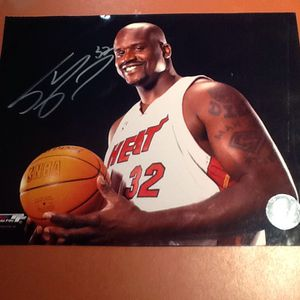 AUTOGRAPHED SIGNED SHAQUILLE O'NEAL 8 X 10 PHOTOGRAPH***🏀🏀 FREE DELIVERY for Sale in Boynton Beach, FL
