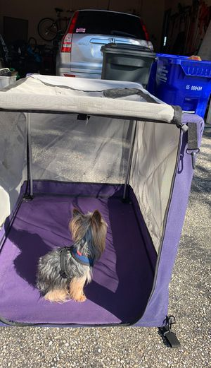 Large screened in, light weight, dog crate for Sale in Burtonsville, MD