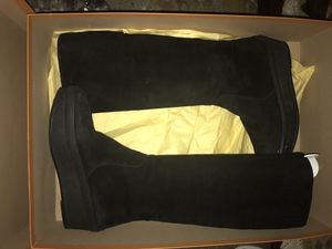 Tods Suede wedge heal boots for Sale in Miami, FL