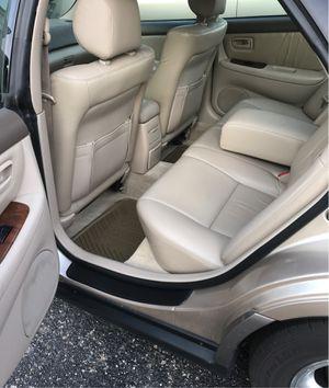 1997 Lexus ES300 70,000 miles. for Sale in Morton Grove, IL