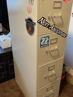 Metal File Cabinet for Sale in Vancouver,  WA