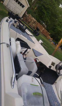 1986 eagle 15' bass boat for Sale in Tiverton,  RI