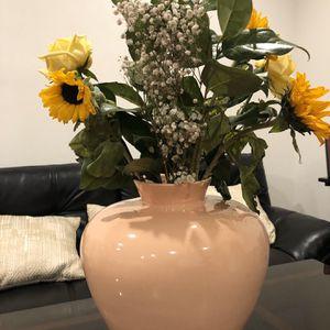 Vase for Sale in Gardena, CA