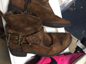 Girls leather boot size 13M for Sale in College Station, TX