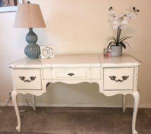 Vintage French Provincial Desk or Makeup Vanity with Mirror for Sale in Mansfield, TX