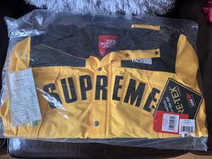 Supreme North Face Yellow Mountain Parka Size Large for Sale in San Francisco, CA