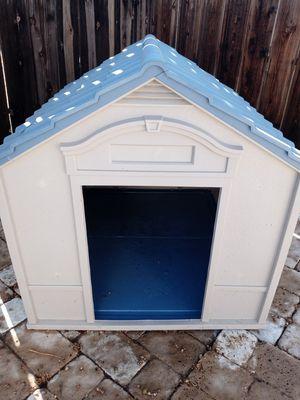 Large Suncast Dog House for Sale in Hemet, CA