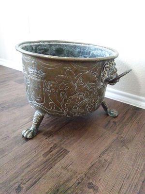 Metal Flower Pot for Sale in Dallas, TX