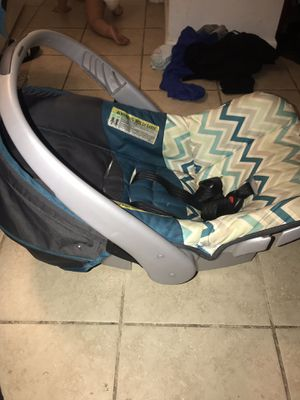 Baby car seat for Sale in Grandview, MO