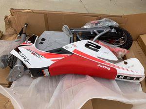 NEW Razor Dirt Rocket SX500 McGrath Electric Motocross Bike for Sale in Nashville, TN