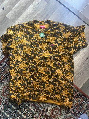 Supreme tshirt 100% verified for Sale in Upper Marlboro, MD