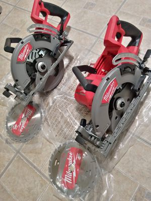 Milwaukee M18 FUEL 18-Volt Lithium-Ion Cordless 7-1/4 in. Rear Handle Circular Saw ( No Battery) ($235 each) Nuevos for Sale in Los Angeles, CA