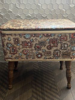 VINTAGE SEWING BOX FOOT STOOL BENCH OBO for Sale in Costa Mesa,  CA