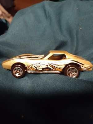 GOLD ON GOLD WITH EASTER DESIGN BY HOTWHEELS for Sale in San Diego, CA