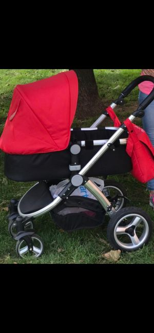 Stroller, Carrycot, i-Size Car Seat, Rain Cover, also includes an insect cover which was bought separately. for Sale in Staten Island, NY