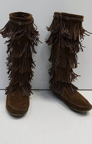 Minnetonka Women's 5 layer Fringe Moccasin Boots for Sale in Parker, CO