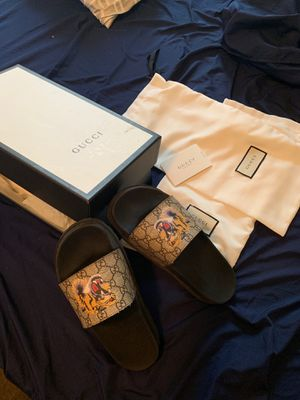 Gucci Slides for Sale in Chicago, IL