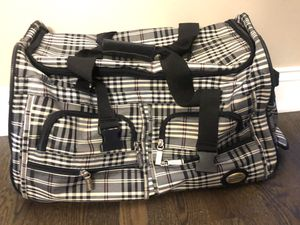 Duffle roller bag for Sale in Naperville, IL