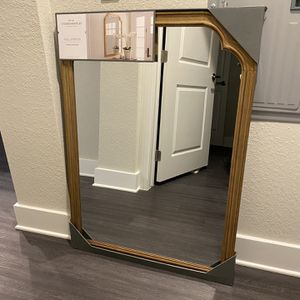 Wall Mirror for Sale in Kissimmee, FL