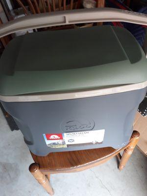 Sportsman Contour 30 qt Cooler for Sale in MIDDLEBRG HTS, OH